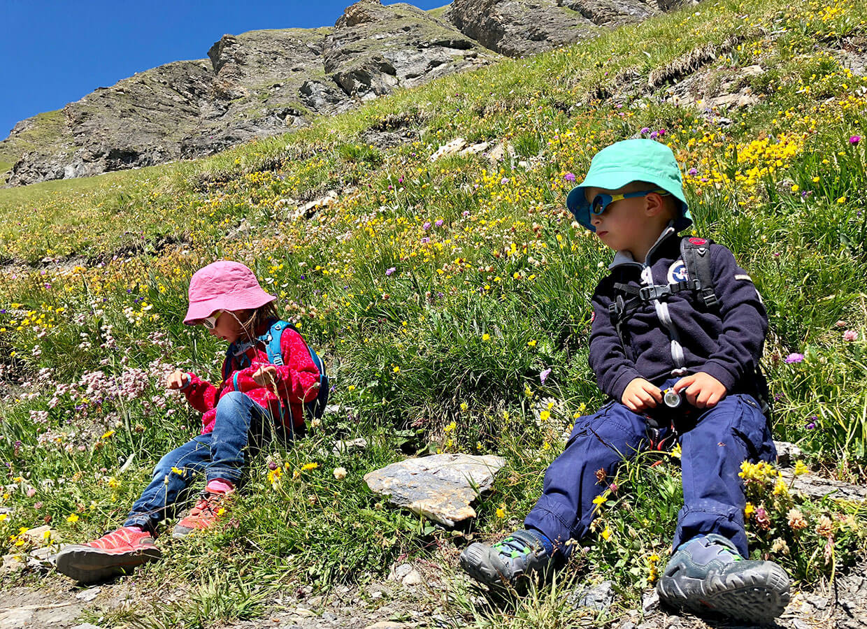 Kids having a little rest at the family hike at La Grand Dixence