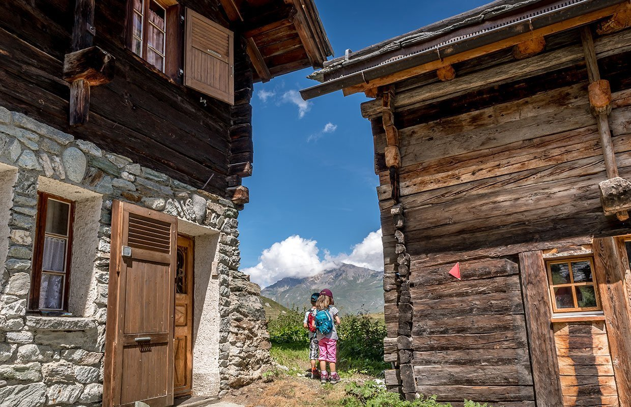 traditionell chalets