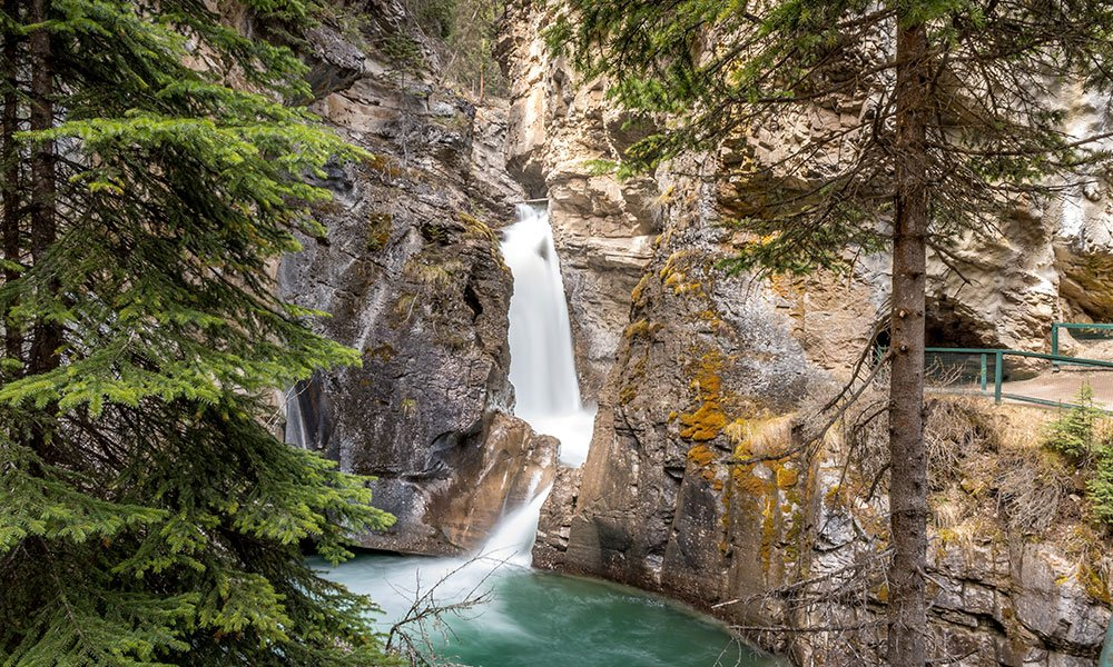 Jhonston Canyon – Banff National Park_best photography spots in the Canadian Rockies