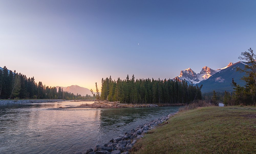 best Canadian photography spots, Canmore Bow River at sunrise