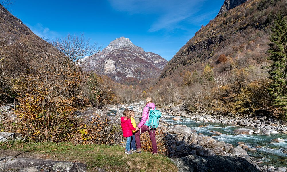 family on the bobosco theme trail in verzasca