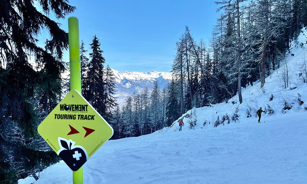 a ski touring and snowshoeing track in nendaz sign